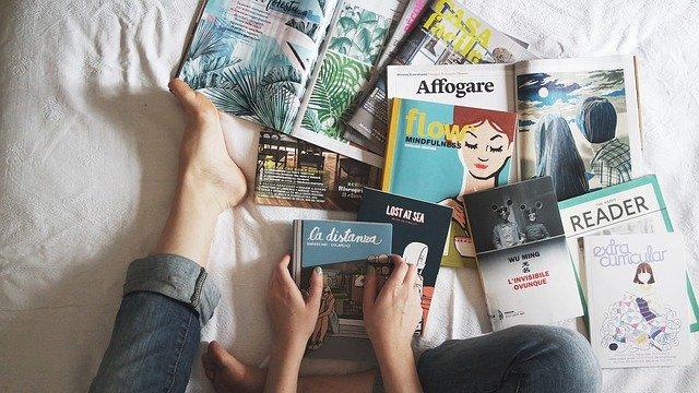 časopisy a knihy