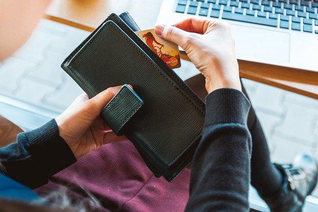 kreditka v peněžence
